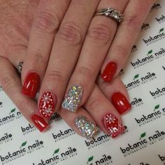 Fabulous nails colorsI really like. Holiday Acrylic Nails, Xmas Nails, Get Nails, Fancy Nails, Holiday Nails, Love Nails, Red Christmas Nails, Valentine Nails, Halloween Nails
