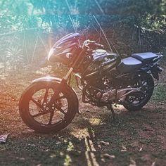 Bajaj Pulsar 180 : The ultimate ride!