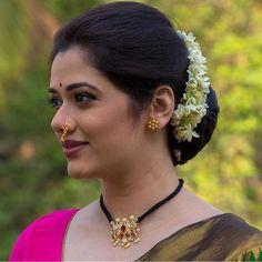 Beautiful Girl Indian, Most Beautiful Indian Actress, Beautiful Women, Cute Beauty, Beauty Full Girl, Gold Earrings Designs, Necklace Designs, Indian Photoshoot, Long Indian Hair