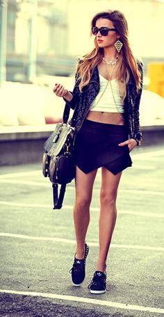 Skort Zara แจ๊คเก็ต Mohito เสื้อ Monashe กระเป๋า Me & BAGS รองเท้า Adidas แว่นตากันแดด Ray Ban