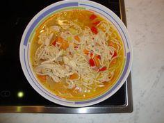 Supa de pui cu noodles - Bucataria cu noroc