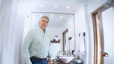 El baño y la cocina son espacios fundamentales en nuestro hogar, mientras en el baño puedes conseguir una iluminación relajante; en la cocina puedes potenciar la convivencia y la seguridad para tu familia y tus amigos Apartments, Chef Jackets, Cooking Recipes, Fashion, Small Yards, Relaxer, Safety, Spaces, Friends