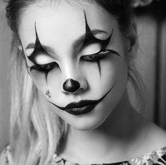 Make-up Halloween Frau Make-up Mädchen Halloween Make-up Katze Frauen Modell Ma. Maquillage Halloween Clown, Halloween Face Makeup, Looks Halloween, Halloween Costumes, Halloween Make Up Ideas, Hallowen Schminke, Vintage Circus, Catwoman Cosplay, Fx Makeup