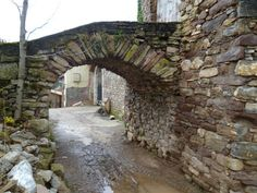 Os invitamos a pasear por Renanué es una aldea apenas poblada. #historia #turismo http://www.rutasconhistoria.es/loc/renanue