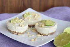 Svieži raw kokosovo - citrónový raw koláčik z ďatlí a kešu orieškov, ktorý sa… Raw Cheesecake, Desserts, Food, Lemon, Tailgate Desserts, Deserts, Essen, Postres, Meals