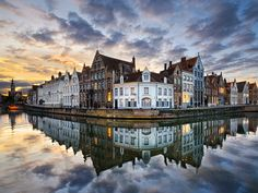 Bruges - City of Belgium. Capital and largest city of West Flanders in the Flemish Community.