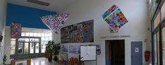 Panoramique : cube, pyramide et  pavé suspendus en attendant le prisme et la boule...