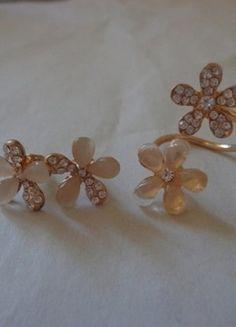 Kupuj mé předměty na #vinted http://www.vinted.cz/doplnky/sety/13256002-nausnice-s-prstynkem