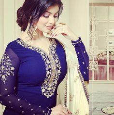 Lavina vol 50 Beautiful Muslim Women, Most Beautiful Indian Actress, Beautiful Blonde Girl, Beautiful Girl Image, Bollywood Girls, Bollywood Actress, Actress Anushka, Bollywood Photos, Beautiful Saree