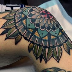 "3,402 aprecieri, 56 comentarii - •only tattoo.one luv (@micotattoo) pe Instagram: ""_ #details #mandala #knee #tattoo"""