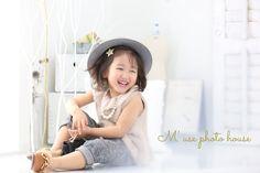 ナチュナルフォト!3才女の子カジュアル♪ 七五三撮影やバースディ撮影にもオススメです☆  #3才 #カジュアルコーデ #fashion #cordinate #七五三 #誕生日 #photography #photographer #photostudio #kidscode #kidsfashion #kidsphoto #kids_japan #cutegirl #cutekids #写真 #写真のチカラ #ファインダー越しの私の世界 #写真好きな人と繋がりたい #写真撮ってる人と繋がりたい #透明感 #東三河 #豊橋 #豊橋写真スタジオ #photohousemuse