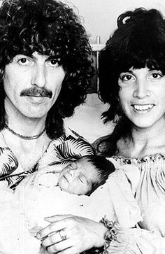 On  8-1-1978: George Harrison and his bride-to-be Olivia Trinidad Arias announce the birth of their first child, Dhani.