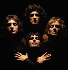 Since the new Freddie Mercury/Queen biopic, 'Bohemian Rhapsody,' comes out in a couple weeks, you're probably wondering where to start with Queen. Here are the 10 best Queen albums to own on vinyl. Discografia Queen, Queen Love, White Queen, Queen Banda, Queen Album Covers, Greatest Album Covers, Hollywood Records, Rock Poster, Video Clips
