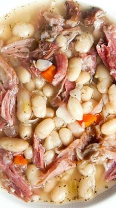 White Bean and Ham Soup soup healthy recipes rezepte soup soup Ham And Bean Soup, White Bean Soup, Soup With Ham, Ham Bone Soup, Navy Bean Soup, Soup Beans, Italian Bean Soup, Lima Bean Soup, Ham And Cabbage Soup