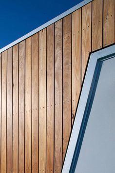 Interior design ideas, home decorating photos and pictures, home design, and contemporary world architecture new for your inspiration. Wooden Cladding Exterior, Larch Cladding, House Cladding, Facade House, Timber Architecture, Architecture Details, Cladding Materials, Cladding Ideas, External Cladding