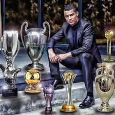 Cristiano Ronaldo Poses With All The Awards/Trophies He Received In 2016 Cristiano Ronaldo Portugal, Cristiano Ronaldo Images, Cristiano Ronaldo Junior, Cristiano Ronaldo Wallpapers, Cristiano Ronaldo Juventus, Christano Ronaldo, Ronaldo Football, Ronaldo Real Madrid, Cr7 Jr