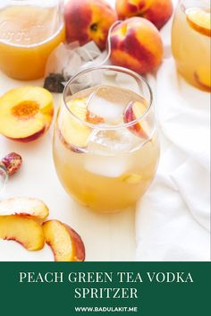 Light refreshing and perfect for those summer peaches! This Peach Green Tea Vodka Spritzer is sure to become your favorite summer sipping cocktail! Non Alcoholic Drinks, Beverages, Cocktails, Peach Green Tea, Juice Recipes, Drink Recipes, Bread Recipes, Best Alcohol, Peach Slices
