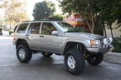 Jeep ZJ - Hanson Bumpers with Iceland Wheel Flares