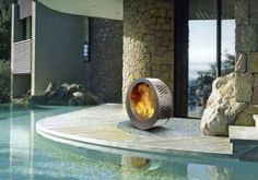 35 Metal Fire Pit Designs and Outdoor Setting Ideas metalfirepit Small Fire Pit, Cool Fire Pits, Metal Fire Pit, Modern Fire Pit, Concrete Fire Pits, Contemporary Fire Pits, Modern Outdoor Fireplace, Outdoor Fireplace Designs, Outdoor Fireplaces