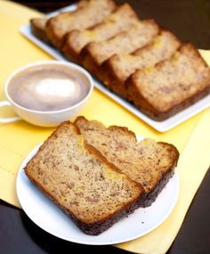 I tried 7 different low carb banana bread recipes and have concluded that this one is the best by far. And it is Gluten free to boot! *Total carbs 125 using sour cream and Pyure and no nuts or chips added Sugar Free Desserts, Sugar Free Recipes, Gluten Free Recipes, Low Carb Recipes, Banting Recipes, Snack Recipes, Healthy Recipes, Gluten Free Banana Bread, Banana Bread Recipes