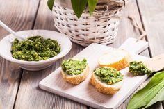 Inšpirujte sa chutnými receptami z medvedieho cesnaku - KAMzaKRASOU. Pesto, Meals, Food, Vitamins, Pie, Easter, Lunch, Vegetables, Drinks