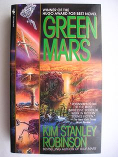 """Il romanzo """"Il verde di Marte"""" (""""Green Mars"""") di Kim Stanley Robinson è stato pubblicato per la prima volta nel 1994. Ha vinto i premi Hugo e Locus. È il secondo romanzo della trilogia di Marte e segue """"Il rosso di Marte"""". In Italia è stato pubblicato da da Fanucci nella traduzione di Annarita Guarnieri. Immagine di copertina di un'edizione americana. Clicca per leggere una recensione di questo romanzo!"""