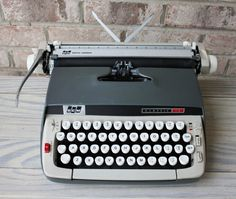 SMITH CORONA Classic 12 portable manual typewriter