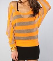 Super cute Palm Canyon Top by Alternative Apparel  C$74.80  www.fashionrehab.ca Alternative Apparel, Alternative Outfits, Casual Tops, Beautiful Outfits, Palm, Super Cute, Store, Clothes, Women