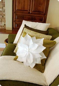 Solountip.com: Lindo cojin Navideño,de flor de noche buena