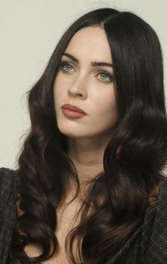 Megan Fox exudes hot mama chic as she stays cool in an oversized hat while out with her kids in LA – Celebrities Female Megan Denise Fox, Jennifer's Body, Human Hair Wigs, Beautiful Eyes, Beautiful Actresses, Pretty People, Hair Inspiration, Artist, Megan Fox Makeup