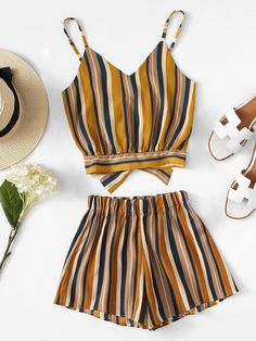 Striped Knot Back Cami Top With Shorts -SheIn(Sheinside) Crop Top Outfits, Cute Casual Outfits, Simple Outfits, Pretty Outfits, Teen Fashion Outfits, Look Fashion, Girl Outfits, Summer Outfits For Teens, Spring Outfits