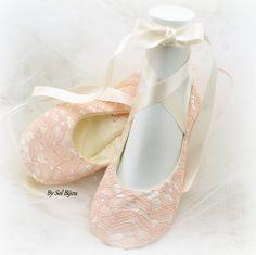 Lace Flats Blush Ballet Flats Lace Ballet Flats ivoor door SolBijou