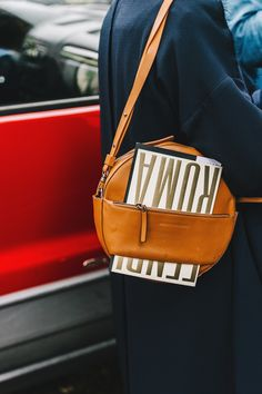 Street Style_ circular tanned bag for smart casual accessorising || Saved by Gabby Fincham ||