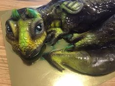 Kricky Cakes Decoration: Airbrushed Dragon Cake tutorial HD 1080p - YouTube