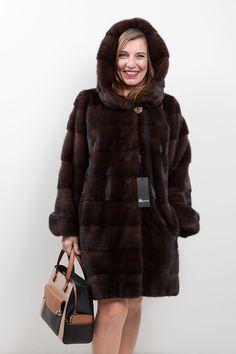 Manteau de Vison à capuche Royal Saga Furs