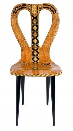 Piero Fornasetti, chaise « Musicale »1951 - Bois. Imprimée, laquée et peinte à la main © Courtesy Fornasetti