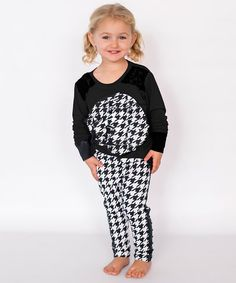 This amazingly comfy long-sleeve tee features an eye-catching oversized flower. Made with sturdy construction, this shirt will be a great addition to your little lady's wardrobe. Baby Couture, Rosettes, Gingham, Toddler Girl, Long Sleeve Tops, Tees, Shirts, Chic, Lady