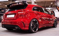 The top model of the very successfully revolutionized in 2012 Mercedes-Benz A-class is named AMG. On the one hand, these vehicles are destined to Mercedes Hatchback, Mercedes Benz Maybach, Hatchback Cars, Cool Sports Cars, Sport Cars, Custom Mercedes, G 63 Amg, M Benz, Benz A Class