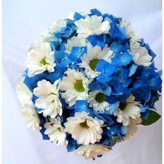Svatební kytice hortenzie a kopretinové chryzantémy..