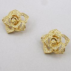 Vintage Elizabeth Taylor for Avon Passion Flower Clip Earrings