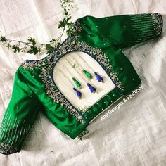 Latest trending silk saree blouse designs to make it easier for you. Have the top trending beautiful silk saree blouse designs so that you can choose the best for your saree look. Blouse Back Neck Designs, Choli Blouse Design, Wedding Saree Blouse Designs, Sari Design, Silk Saree Blouse Designs, Fancy Blouse Designs, Silk Sarees, Latest Blouse Designs, Blouse Neck Patterns