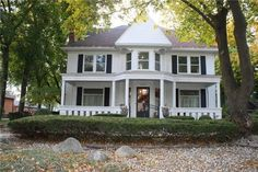 Detroit Metro Historic homes, old homes, Tudor-style homes, and historic real estate for sale in Macomb, Oakland and Wayne counties