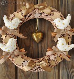 Cinammon Birds Christmas wreath - Holiday decor winter home Noel decorations wood star birds gold golden ribbon natural X mas