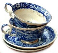 Pretty tea cups by ollie