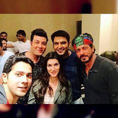 Varun Dhawan posted a pic on Instagram with Varun Sharma, Kriti Sanon, Shah Rukh Khan and Kapil Sharma!