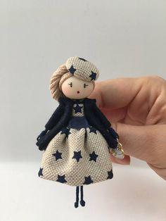 Best 12 Doll brooch by AlexandraStanShop on Etsy – SkillOfKing.Com – SkillOfKing. Tiny Dolls, Ooak Dolls, Art Dolls, Dolly Doll, Clothespin Dolls, Felt Toys, Doll Crafts, Fabric Dolls, Miniature Dolls