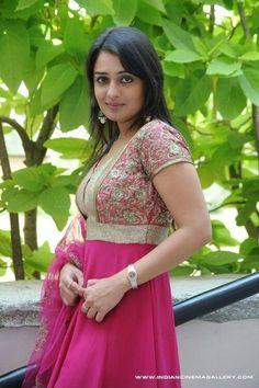 Indian Heritage, Indian Celebrities, India Beauty, Sweet Girls, Beautiful Actresses, Indian Actresses, Bollywood, Shruti Hasan, Lady