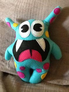 Items similar to Blue felt monster on Etsy Felt Diy, Felt Crafts, Kids Crafts, Sewing Toys, Sewing Crafts, Sewing Projects, Felt Projects, Monster Dolls, Ugly Dolls