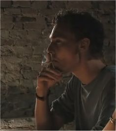 Tom Hiddleston, smoking is so bad, but I'll overlook this