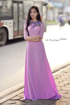 Discover recipes, home ideas, style inspiration and other ideas to try. Indian Gowns Dresses, Indian Fashion Dresses, Indian Designer Outfits, Designer Dresses, Beautiful Long Dresses, Pretty Dresses, Stylish Dress Designs, Stylish Dresses, Long Dress Fashion